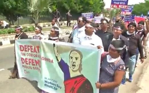 Người Ấn Độ biểu tình chống hiệp ước RCEP của Trung Cộng