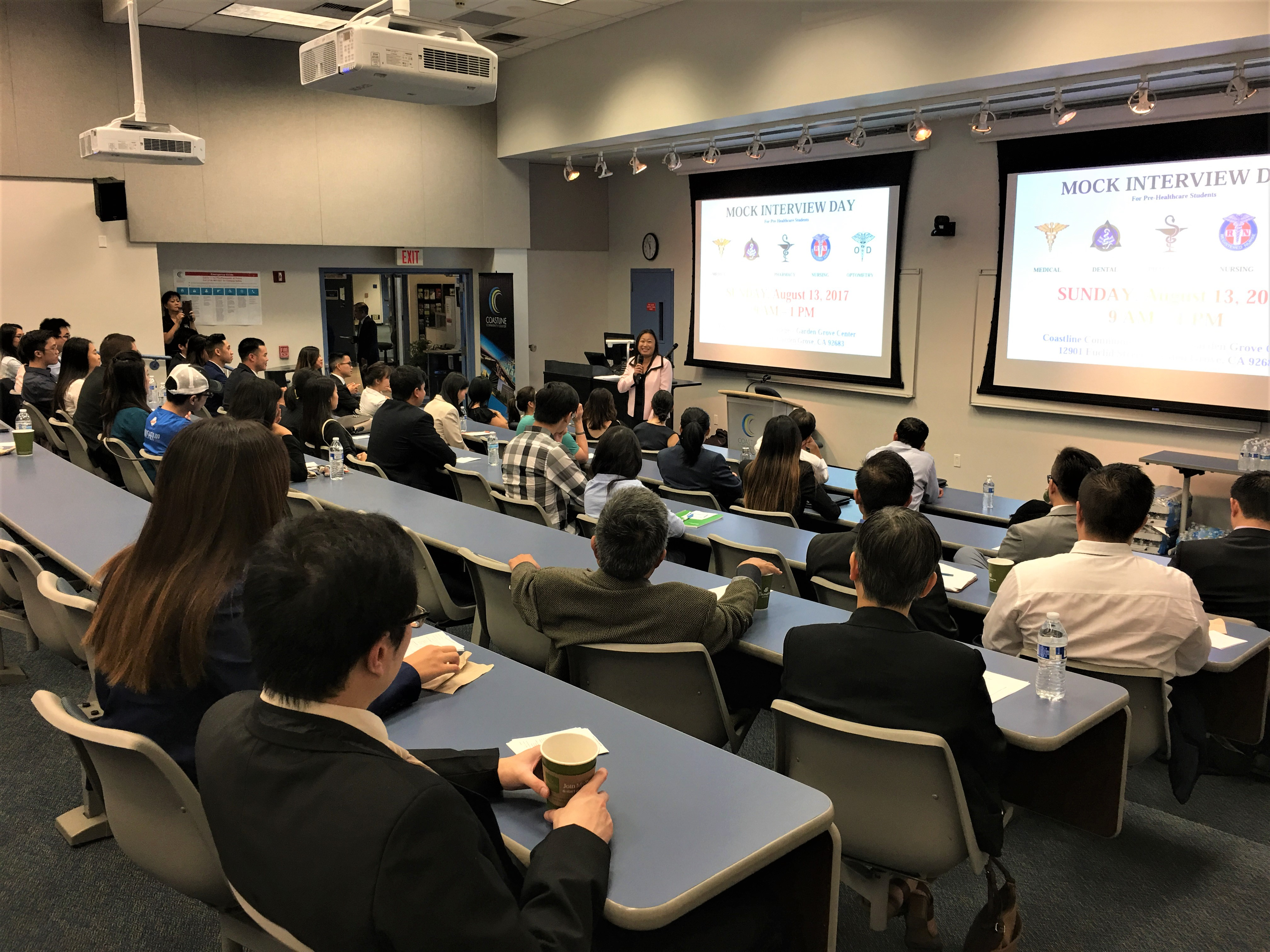 TNS Janet Nguyễn và Hiệp Hội Y Sĩ Miền Nam California hướng dẫn sinh viên vào y khoa