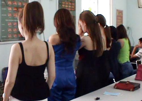 Phá vỡ đường dây hoa hậu, diễn viên, người mẫu bán dâm 2,500 Mỹ kim ở Sài Gòn