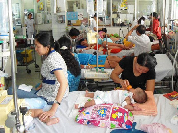 12 quận huyện Hà Nội báo động đỏ vì sốt xuất huyết