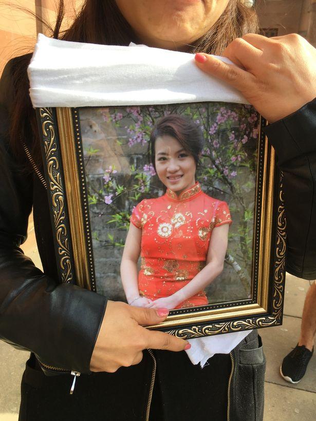 Hai nghi can đốt xe giết phụ nữ Việt ở Anh ra tòa