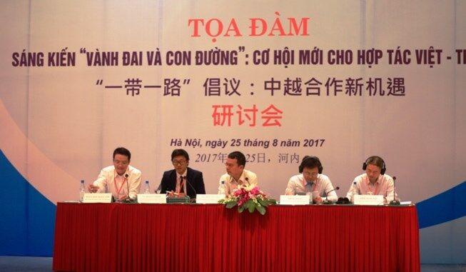 """Giới chức Tân Hoa Xã đòi báo chí Việt Nam """"quản lý tốt dư luận"""""""