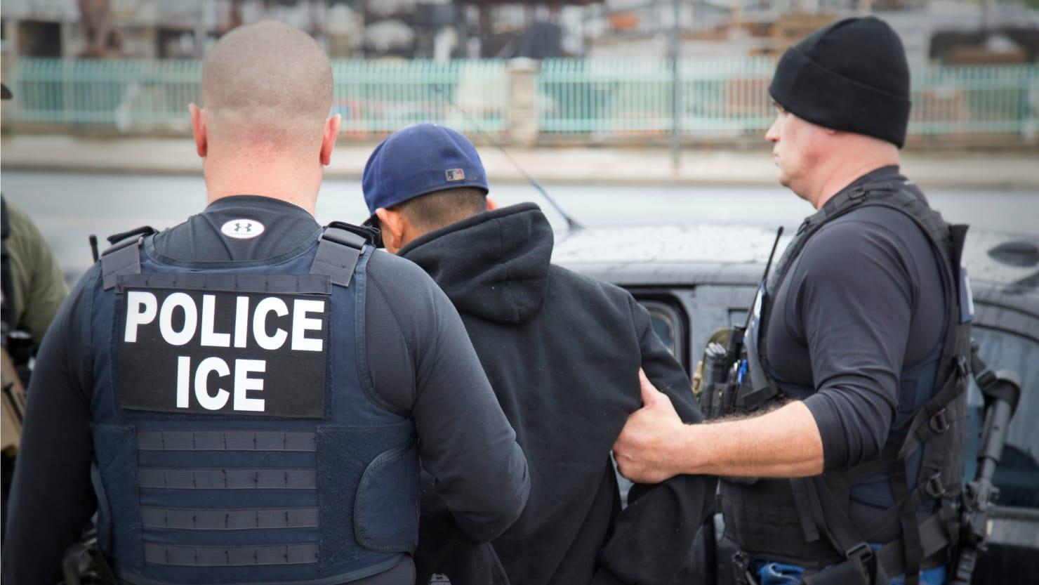 Cơ quan di trú Hoa Kỳ gia tăng bắt giữ di dân lậu, nhưng số lượng trục xuất thấp hơn năm 2016