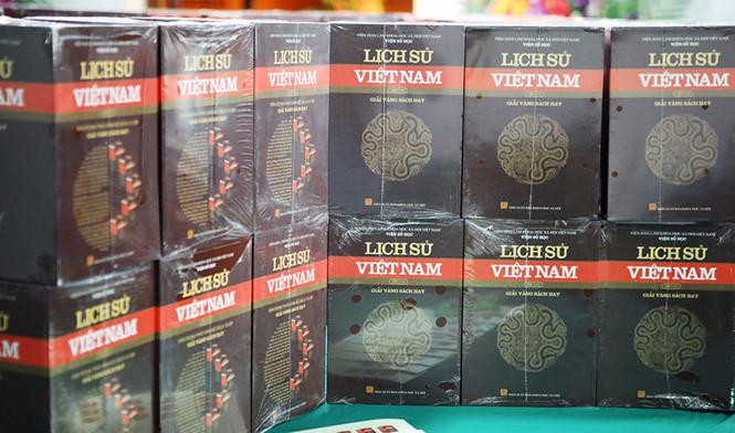 """Bộ Lịch Sử  Việt Nam mới trong nước đã không còn dùng chữ """"ngụy quân, ngụy quyền"""""""