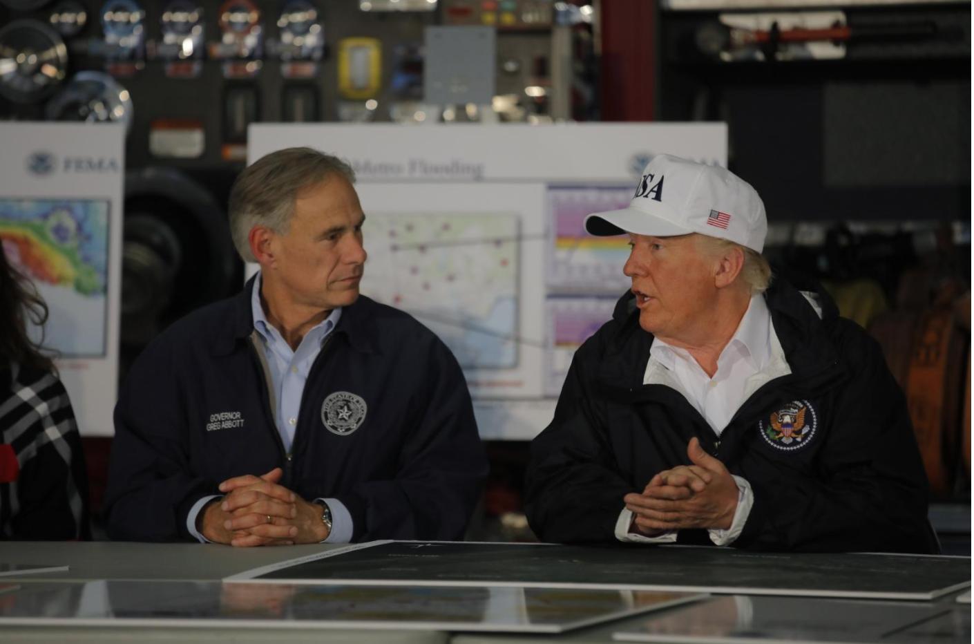 Thống đốc Texas ước tính nhu cầu tài trợ của liên bang cho bão Harvey sẽ quá 125 tỷ mỹ kim