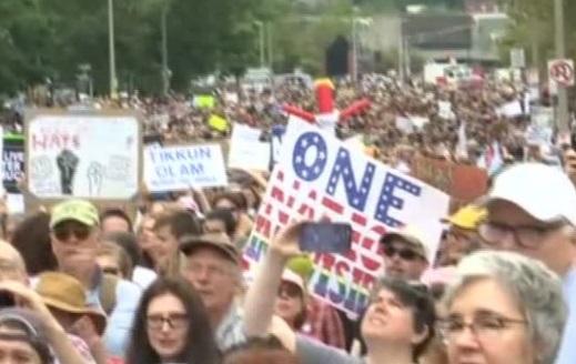 """Tiếp theo Charlottesville, Boston căng thẳng đón cuộc tuần hành """"Tự Do Ngôn Luận"""""""
