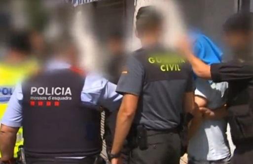 Cảnh sát tiếp tục truy nã tài xế trong vụ tấn công khủng bố Barcelona