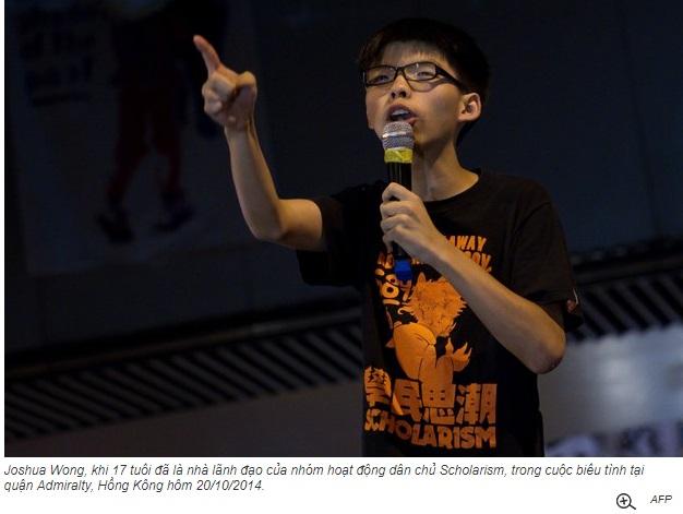 """Bất chấp đối diện tù đày, nhà tranh đấu Joshua Wong vẫn nói """"Hồng Kông đang bị đe dọa"""" (nhạc sĩ Tuấn Khanh)"""