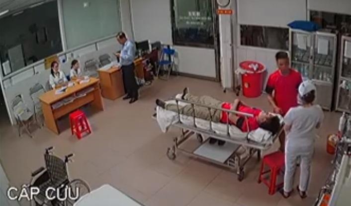Người thân bệnh nhân hành hung nữ bác sĩ trong phòng cấp cứu