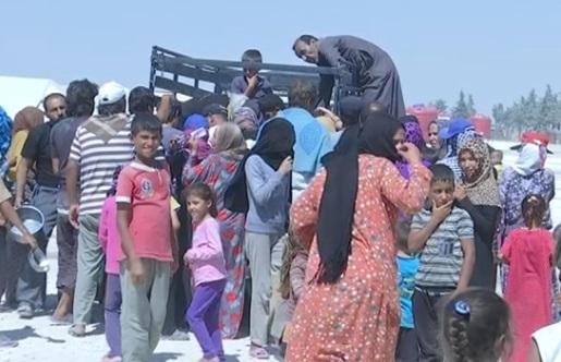 Dân Syria tiếp tục di tản khỏi Raqqa đang giao tranh