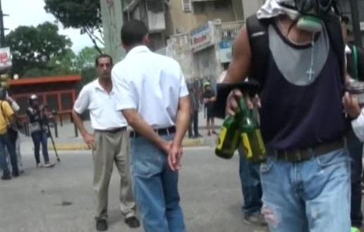 Venezuela tiếp tục biểu tình phản đối hội đồng lập pháp mới thân Maduro