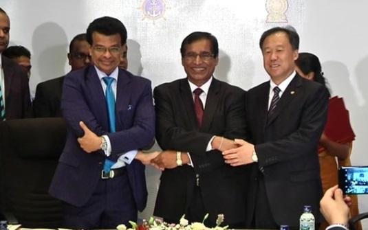 Hai bộ trưởng bị tổng thống Sri Lanka bãi nhiệm vì chỉ trích chuyển nhượng cảng cho Trung Cộng