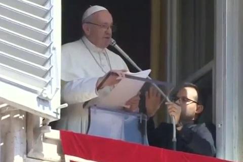 Đức Giáo Hoàng cầu nguyện cho nạn nhân bão lụt Nam Á