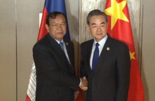 Trung Cộng và Cambodia cam kết tăng cường hợp tác thực hiện dự án một vành đai, một con đường