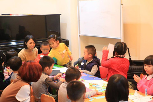 Nhà cầm quyền CSVN đánh phá các lớp học Homeschooling