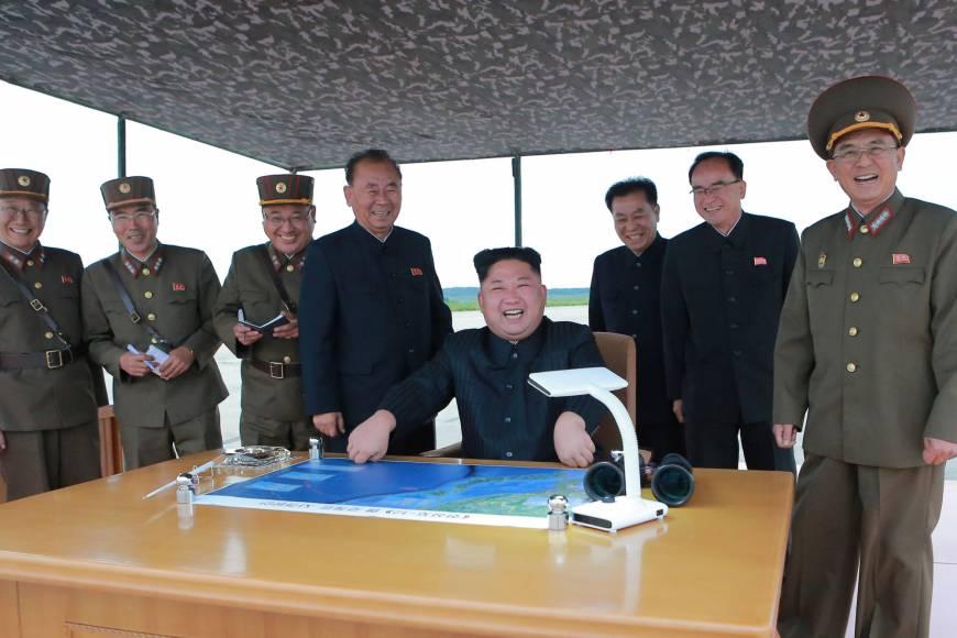 Bắc Hàn công bố hình ảnh ông Kim Jong Un giám sát cuộc phóng hỏa tiễn
