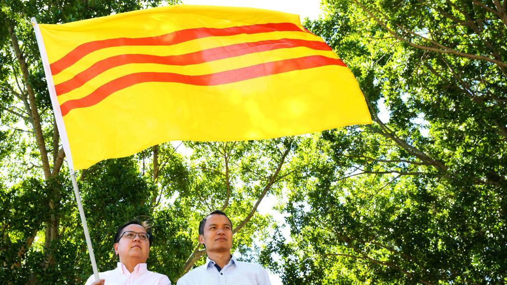 Giới chức Úc và cộng đồng gốc Việt không muốn CSVN can thiệp việc treo Cờ Vàng