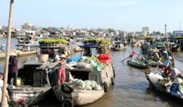 Chợ nổi Cái Răng chỉ còn thu hút khách du lịch phương xa