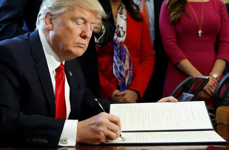 Những người bị cấm vào Hoa Kỳ theo lệnh cấm của tổng thống Trump đã có thể xin Visa