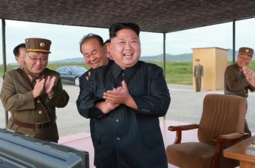 Bắc Hàn công bố hình ảnh Kim Jong-Un hướng dẫn phóng hỏa tiễn