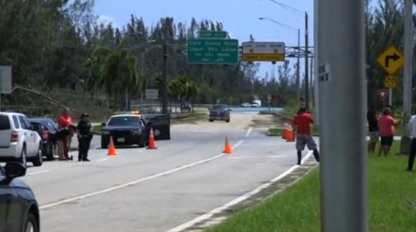 Cư dân Florida Keys nổi nóng vì chưa được phép về nhà sau khi bão Irma lên phía Bắc