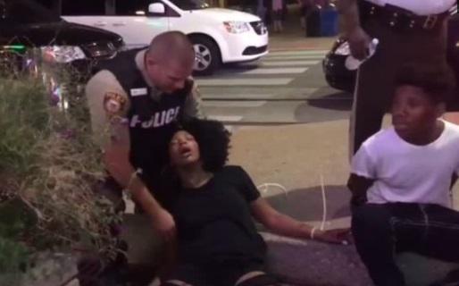 Biểu tình ở Saint Louis bắt đầu chuyển sang bạo động