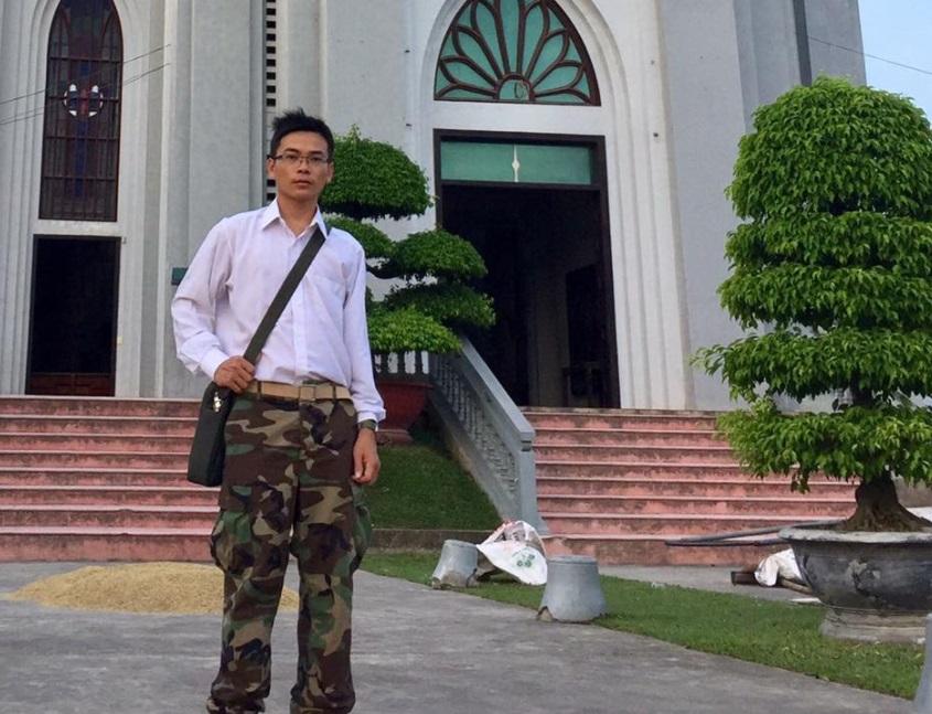Thanh niên biểu tình mặc quân phục VNCH Dũng Phi Hổ bị bắt lần thứ hai