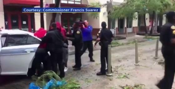 Thành phố Miami cảnh báo những kẻ lợi dụng bão Irma để hôi của