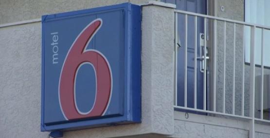 Motel 6 mật báo ICE về khách trọ có tên trong danh sách bị trục xuất