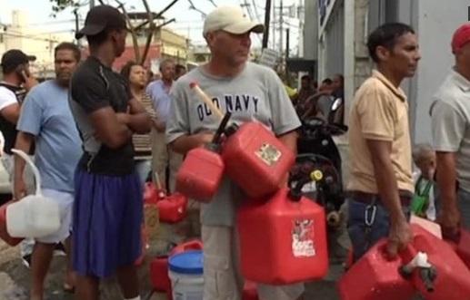 Tổng thống Trump cho phép tàu ngoại quốc vào cung cấp hàng cứu trợ Puerto Rico