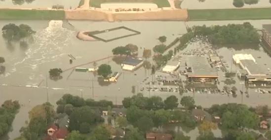 Cư dân Houston chất vấn giới chức thành phố về quyết định xả lũ