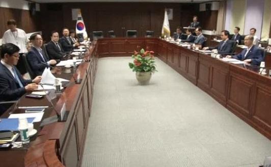 Nam Hàn thông qua kế hoạch gửi hàng viện trợ nhân đạo đến Bắc Hàn