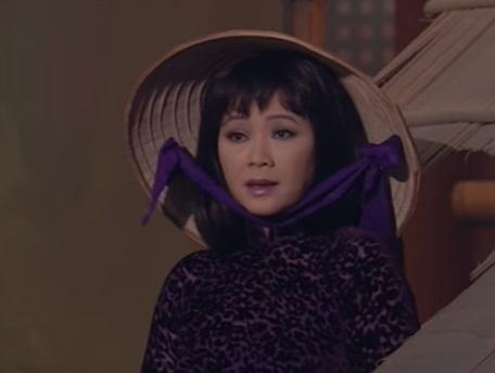 Nữ ca sĩ Hoàng Oanh