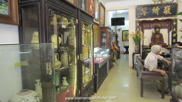 Người Sài Gòn bán cổ vật Trung Hoa, tài trợ quĩ yểm trợ ngư dân Việt đối đầu với Trung Cộng