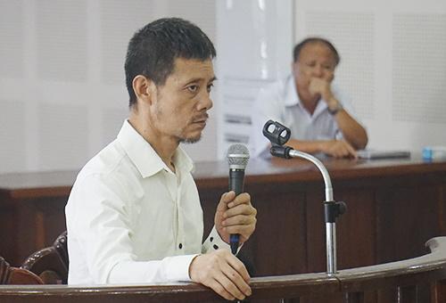 Người Trung Cộng trộm tiền trên máy bay lãnh án tù 8 năm