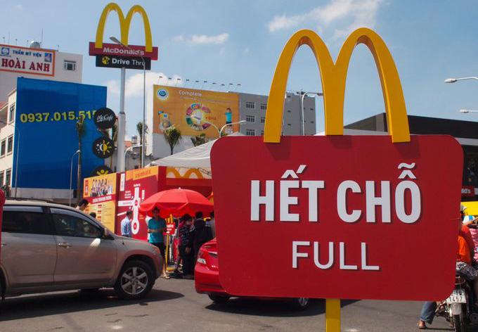 Đồ ăn nhanh Mỹ không chinh phục khẩu vị của người Việt Nam