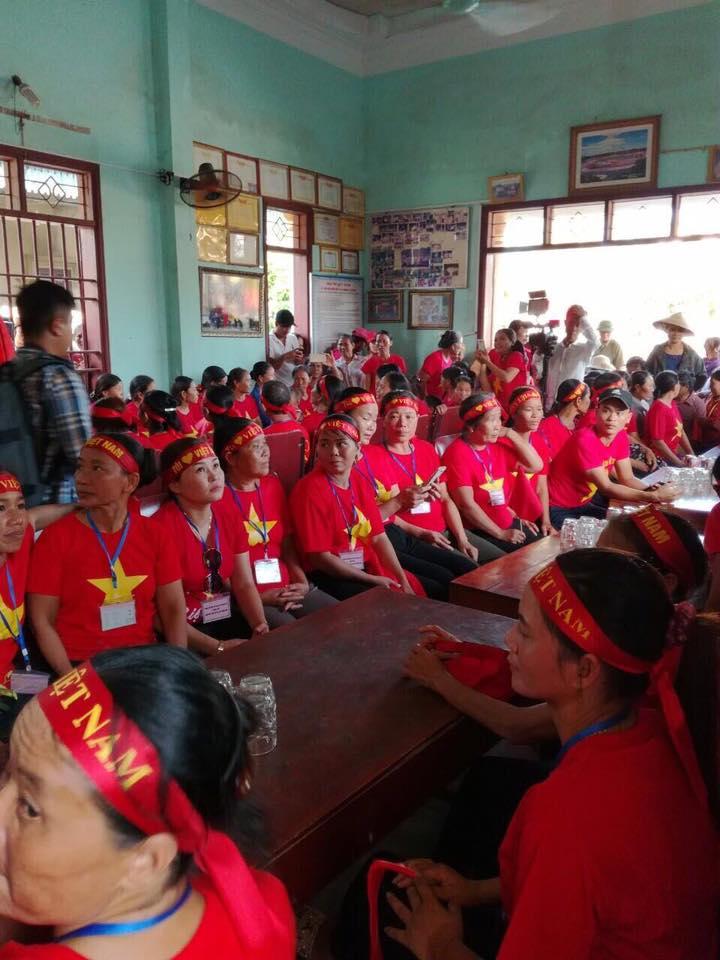 Báo động hiện tượng 'hội cờ đỏ' khủng bố giáo dân Nghệ An