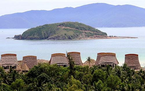 Lấp 13,000 m2 vịnh Nha Trang chỉ bị phạt 70 triệu đồng