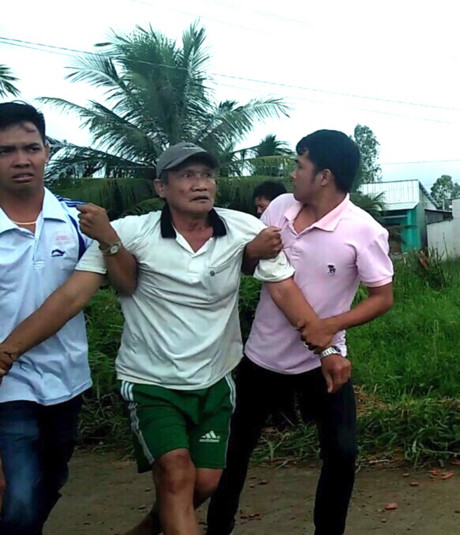 Dân cho xã mượn 7,000 mét vuông đất, đòi lại còn bị đánh và nhốt