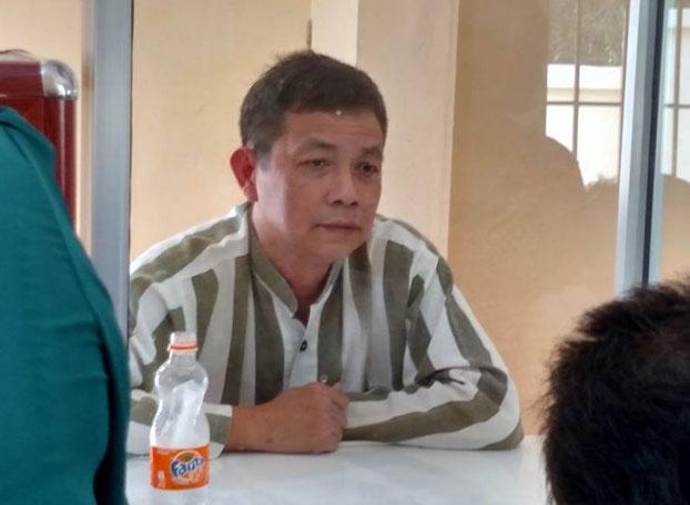 Tù nhân lương tâm Trần Huỳnh Duy Thức được nhận đèn pin do gia đình gửi vào