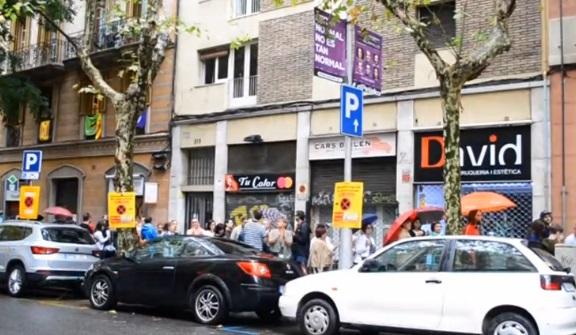 Chính phủ vùng tự trị Catalan đình chỉ tuyên bố độc lập, kêu gọi đối thoại