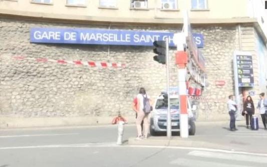 Hung thủ đâm chết 2 phụ nữ tại trạm hoả xa Marseille bị cảnh sát bắn chết