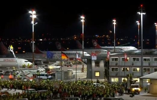 Chuyến bay cuối cùng của hãng Air Berlin đáp xuống phi trường Tegel