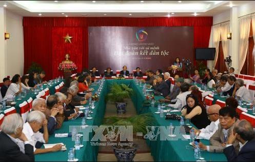 '33 nhà văn Việt Nam sống tại 13 nước trên thế giới' là những ai? (Thiền Lâm)