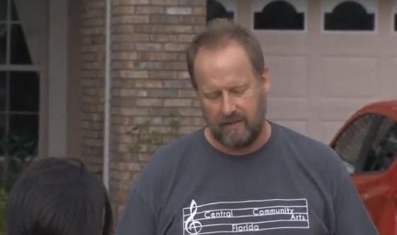 Anh của thủ phạm không tìm ra lý do em trai mình nổ súng giết 58 người ở Las Vegas