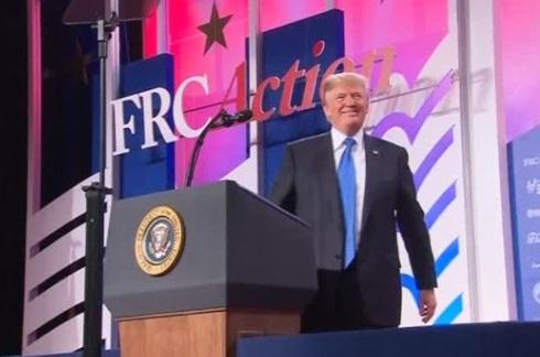 Chi phí bảo hiểm của giới trung lưu sẽ tăng nếu chính phủ Trump ngừng tài trợ phí bảo hiểm