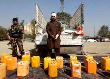 Cảnh sát Afghanistan chặn bắt một xe vận tải chở 2,500 kg thuốc nổ hướng tới Kabul