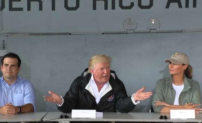 Tổng thống Trump đi thăm Puerto Rico