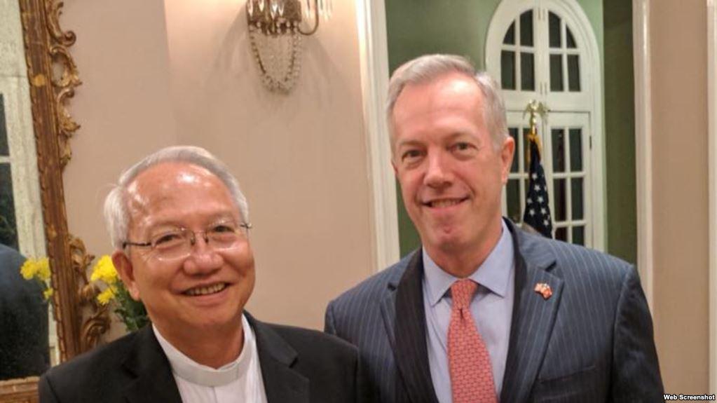 Đại sứ Hoa Kỳ Ted Osius gặp Giám Mục Nguyễn Thái Hợp