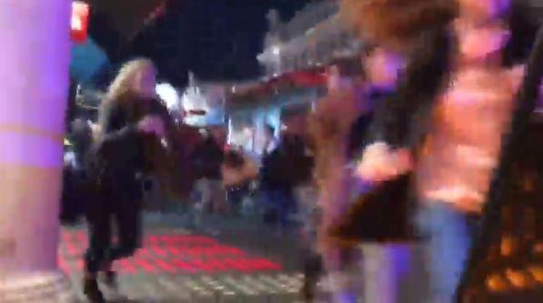 Người mua sắm Black Friday hoảng loạn vì tin đồn tấn công khủng bố tại Luân Đôn